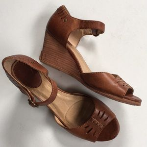 Like new Frye leather wedge sandals